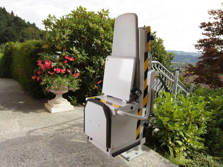 P5000 Sitzlift von sani-trans für ein barrierefreies Leben